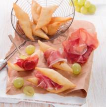 Feuilletés, raisins et jambon de Parme