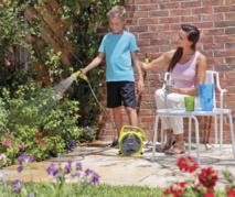 HOZELOCK - Nouvelle Gamme SEASONS : L'arrosage au féminin pour un jardin haut en couleur !