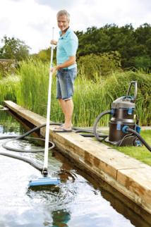OASE PondoVac 5 : L'aspirateur de bassins et piscines pour utilisateurs exigeants