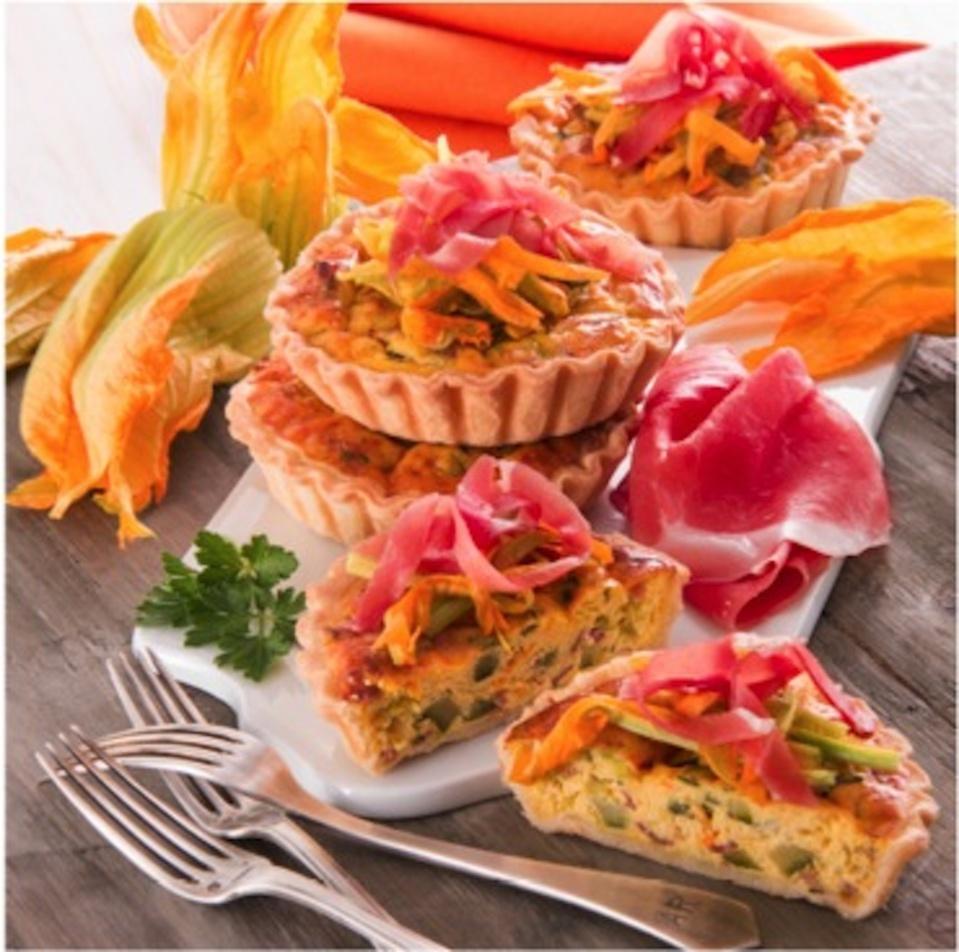 Le Consortium du Jambon de Parme vous propose sa recette d'octobre: Mini quiches, fleurs de citrouille et jambon de Parme