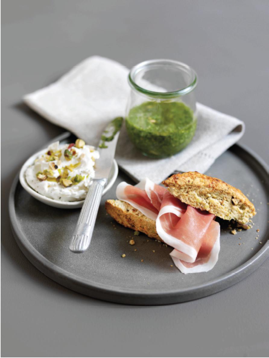 Le Consortium du Jambon de Parme présente sa recettedu mois de novembre:Scones de pistache au Jambon de Parme, mascarpone et pesto