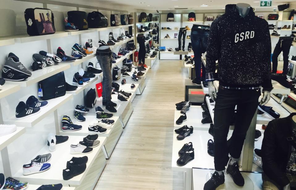 Dédiée Une Aux Shoes De Planete Lyon Boutique À Chaussures Marques S4atnnwq