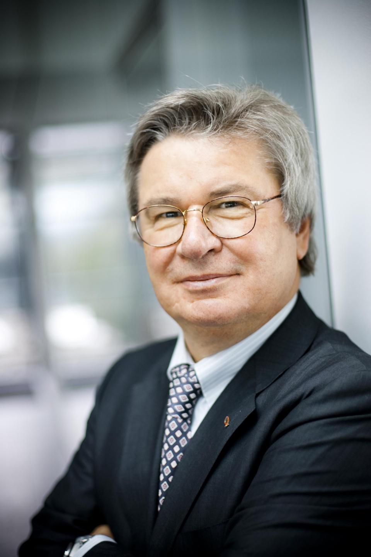 Prof. Klaus Fischer récompensé par le prix « l'œuvre d'une vie »