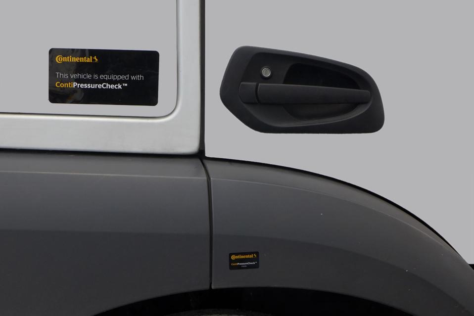 Reconnaître en un coup d'œil les flottes de camions alliant efficacité et sécurité grâce au système ContiPressureCheck