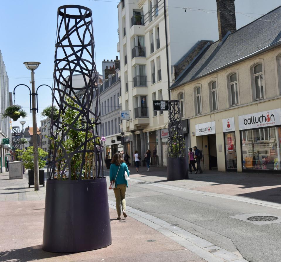 Douze balises Métal Vert fleurissent le centre-ville de Boulogne-sur-Mer